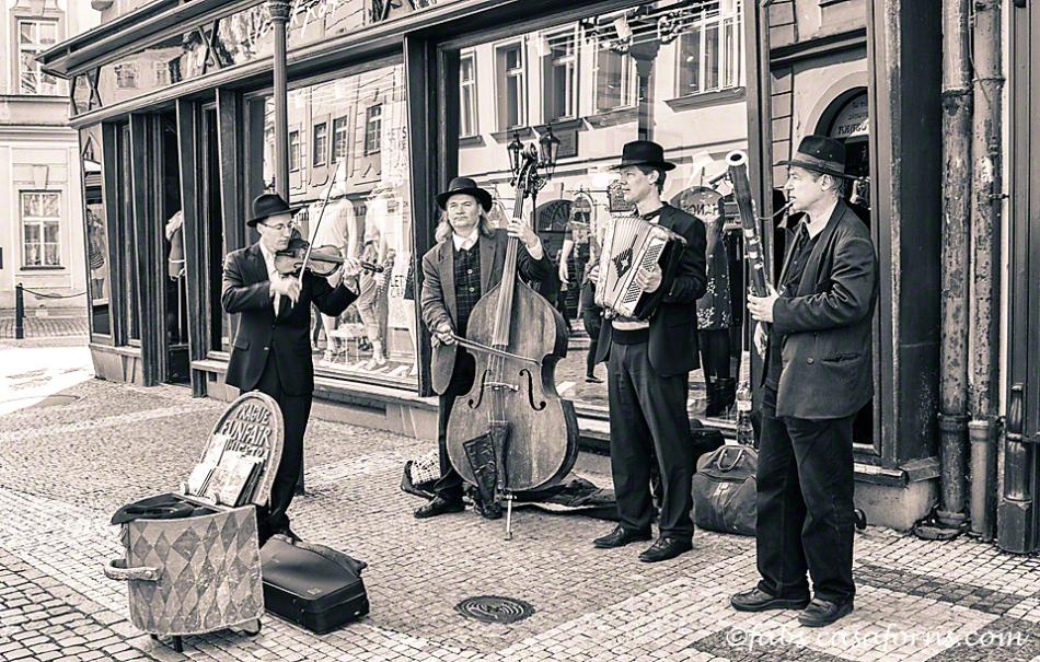 Praguefunfairband